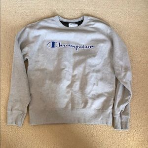 light gray champion sweatshirt